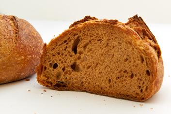 Interior de pan de tomate - Panadería Moscoso Moure