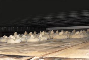 Moleste en el horno - Panadería Moscoso Moure