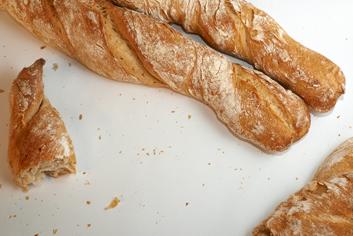 Detalle de baguettes ao peso - Panadería Moscoso Moure