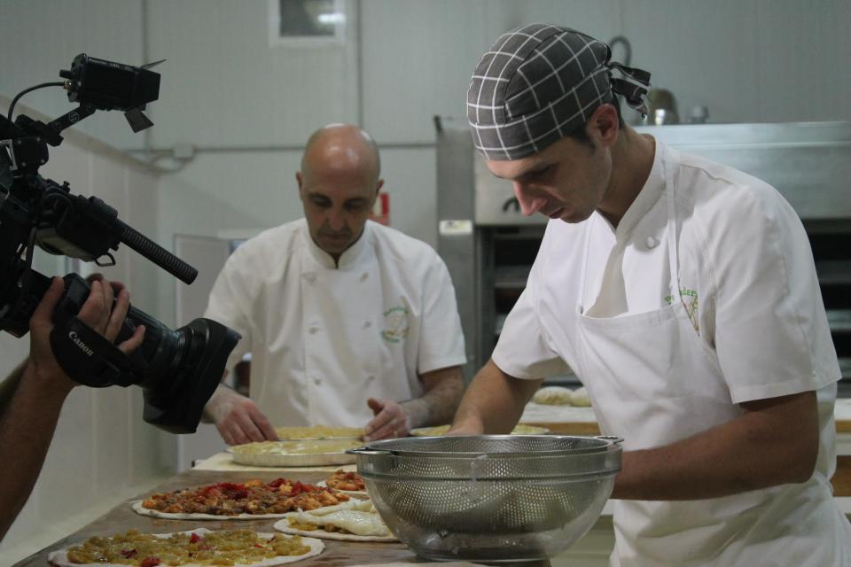 Man a man coas empanadas, pai e fillo, Manolo e Guille