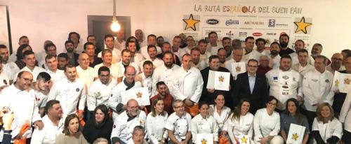 Foto dos galardoados e galardoadas pola Ruta española del buen pan 2018