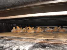 Os típicos Moletes composteláns dentrodo forno