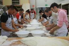 Los panaderos pillados con las manos en la masa